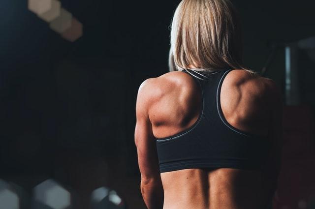 Intervallfasten verbessert die Körperkomposition.